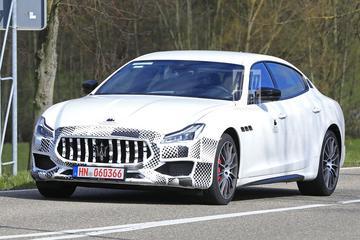 Gefacelifte Maserati Quattroporte onderweg