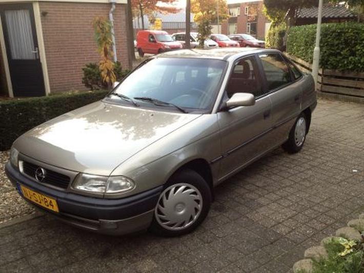 Opel Astra 1.4i Season (1996)
