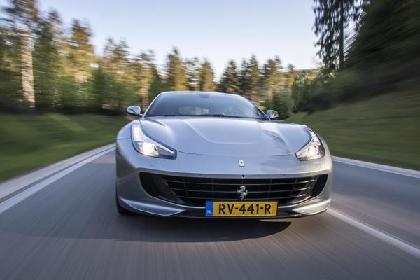 Zoveel winst maken autofabrikanten per auto