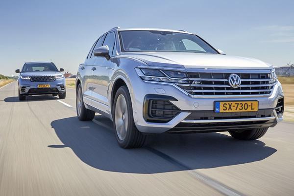 Video: Volkswagen Touareg vs Range Rover Velar - Dubbeltest
