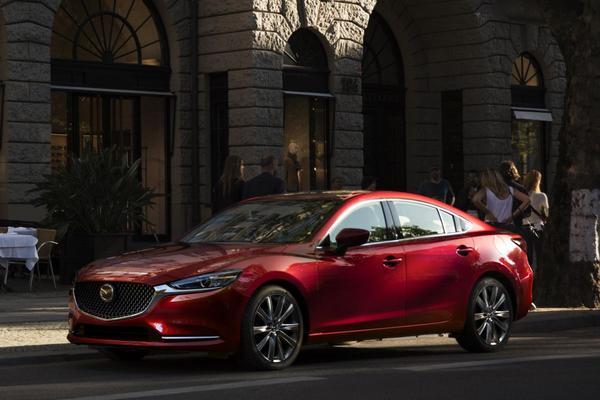 Dít is de grondig vernieuwde Mazda 6!