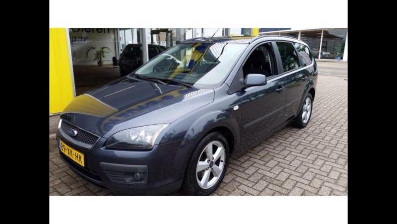 Ford Focus Wagon 1.6 16V Trend (2007)