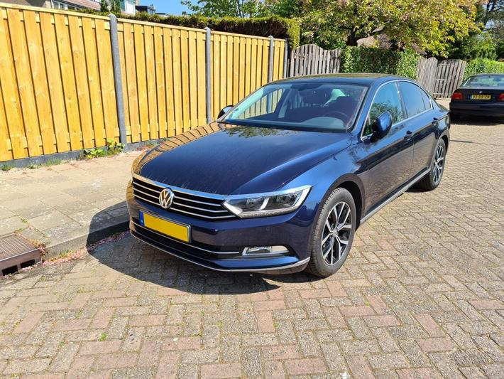 Volkswagen Passat 2.0 TDI 150pk Connected Series Plus (2017)
