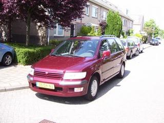 Mitsubishi Space Wagon 2.4 GLXi (2000)