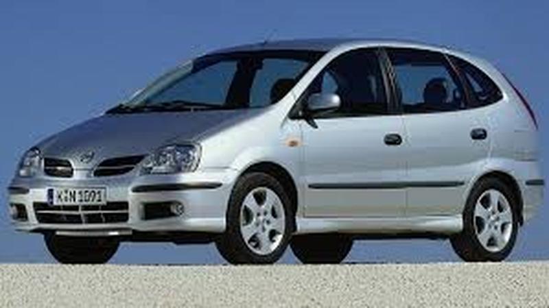 Nissan Almera Tino 1.8 Luxury (2002)