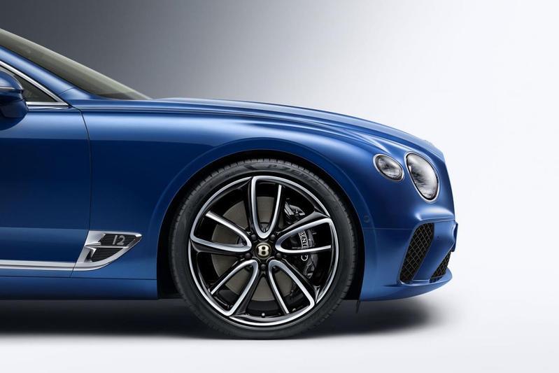 Bentley viert 100 jarig bestaan met kleine details