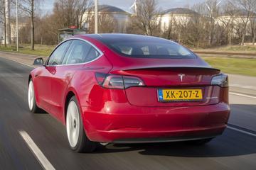 Tesla geeft toe dat achterbumper Model 3 kan losschieten