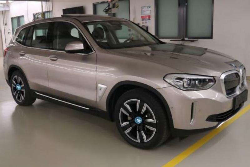 BMW iX3 gelekt beeld