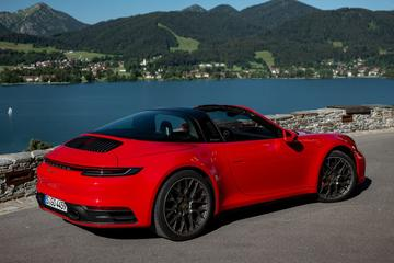 Porsche: 'Verbrandingsmotor kan blijven door elektrificatie'