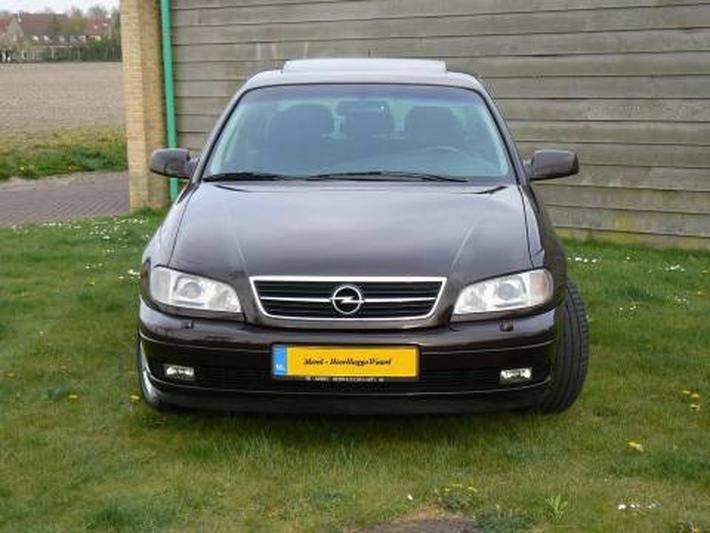 Opel Omega 2.5 TD Executive (2000)
