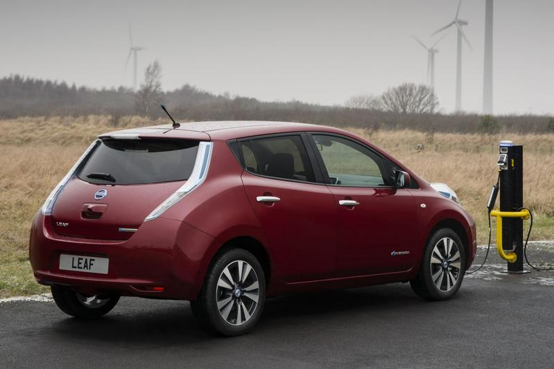 nissan leaf 24kwh visia 2014. Black Bedroom Furniture Sets. Home Design Ideas
