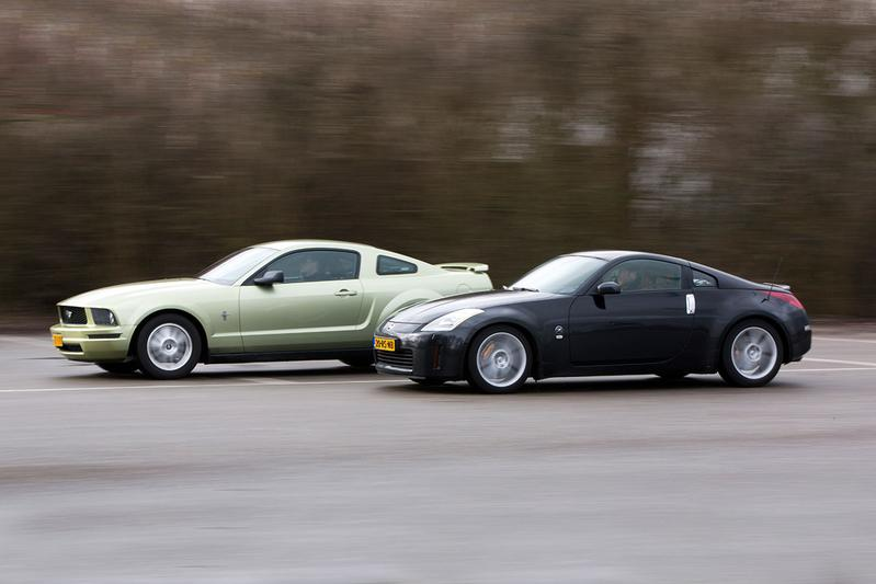 Occasion dubbeltest - Ford Mustang vs. Nissan 350Z