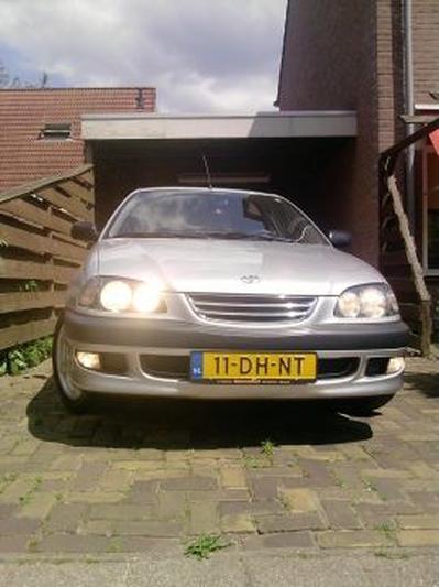 Toyota Avensis 1.6 Linea Sol (1999)