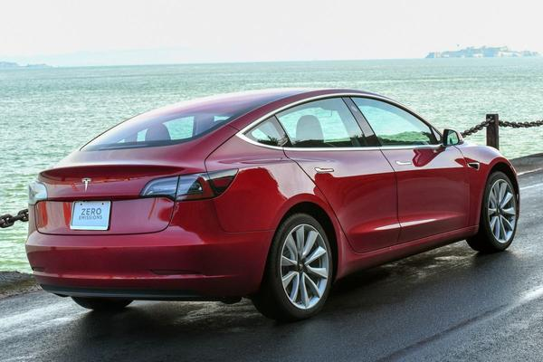 Elon Musk maakt meer details Model 3 bekend