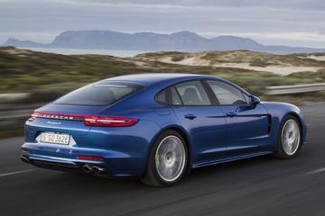 Porsche roept huidige Panamera terug