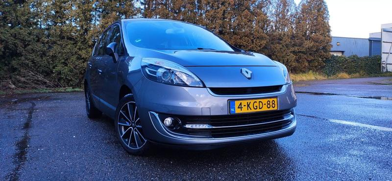 Renault Grand Scénic dCi 130 Energy Bose 5P (2013)