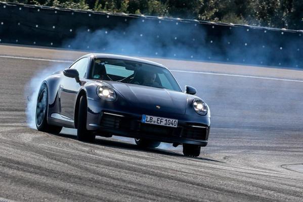Porsche belicht testwerk nieuwe 911