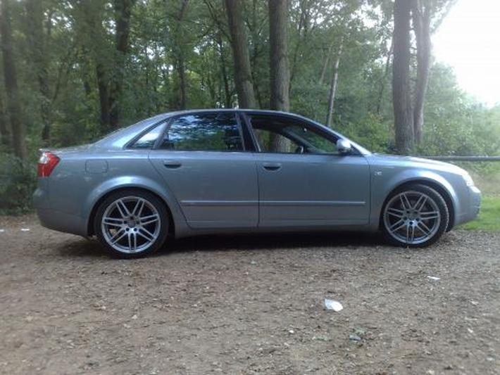 Audi A4 2.5 TDI 180pk quattro (2003)
