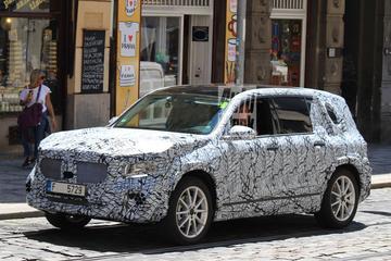Mercedes-Benz GLB-klasse duikt op in Praag