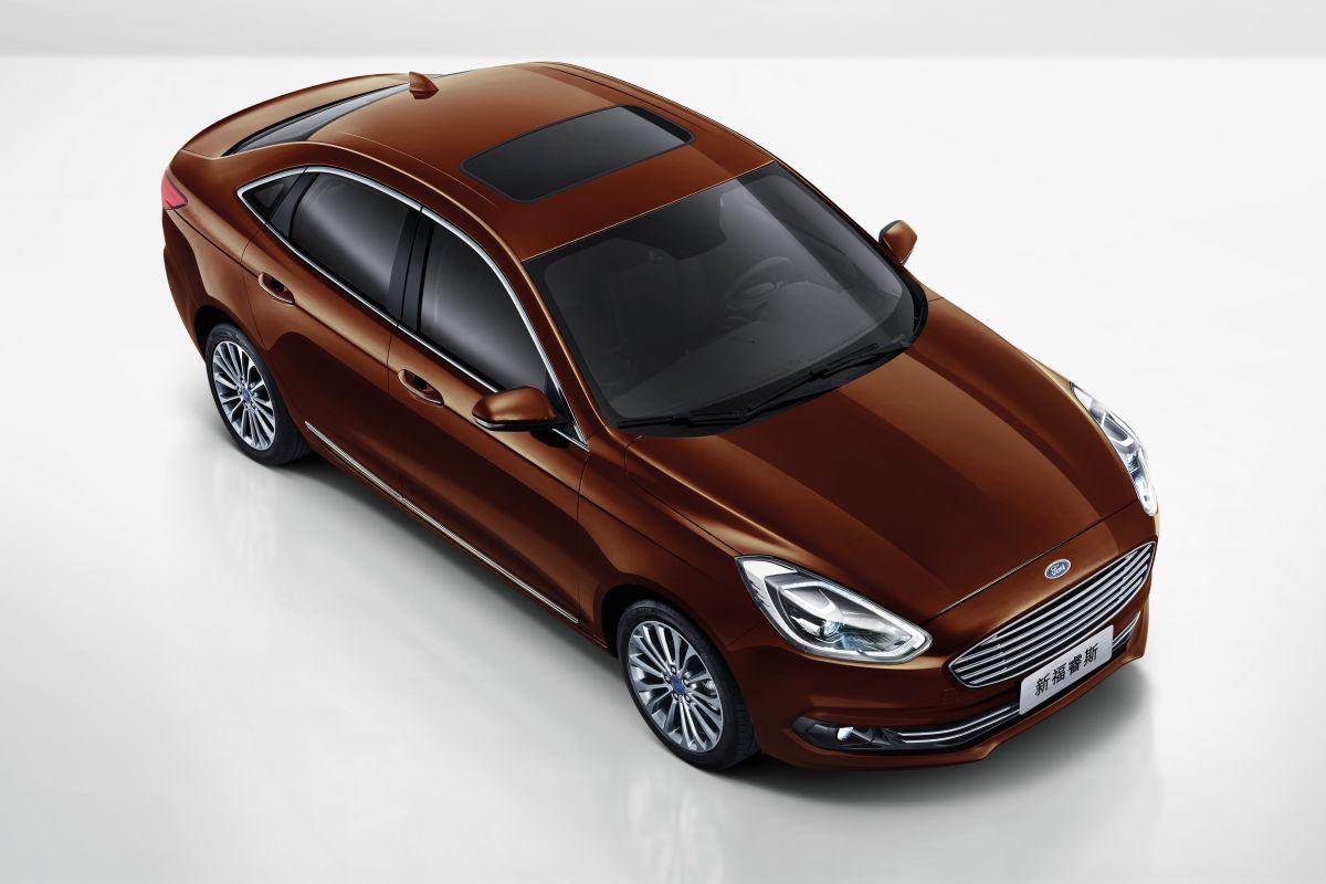 2014 - [Ford] Escort (Chine) - Page 3 F92ykbybyrsw