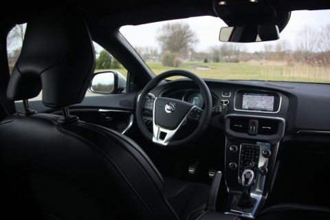 Volvo v40 d2 r design 2013 for Interieur xc40