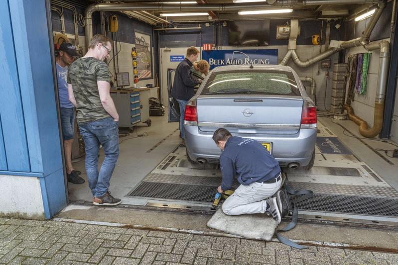 Opel Vectra 3.2 V6 - Op de Rollenbank