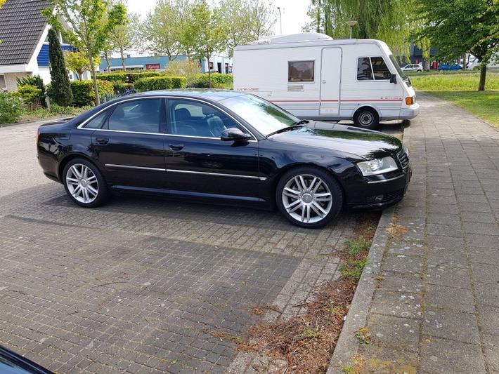 Audi A8 4.2 quattro (2003)