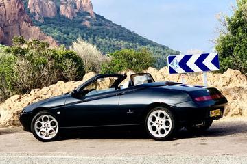 Alfa Romeo Spider 2.0 T.Spark 16V L (2001)