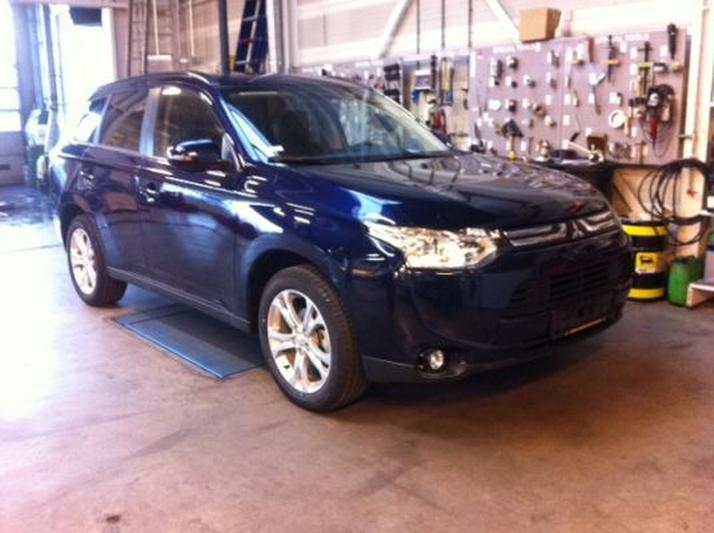 Mitsubishi Outlander 2.0 ClearTec Instyle 2WD (2014)