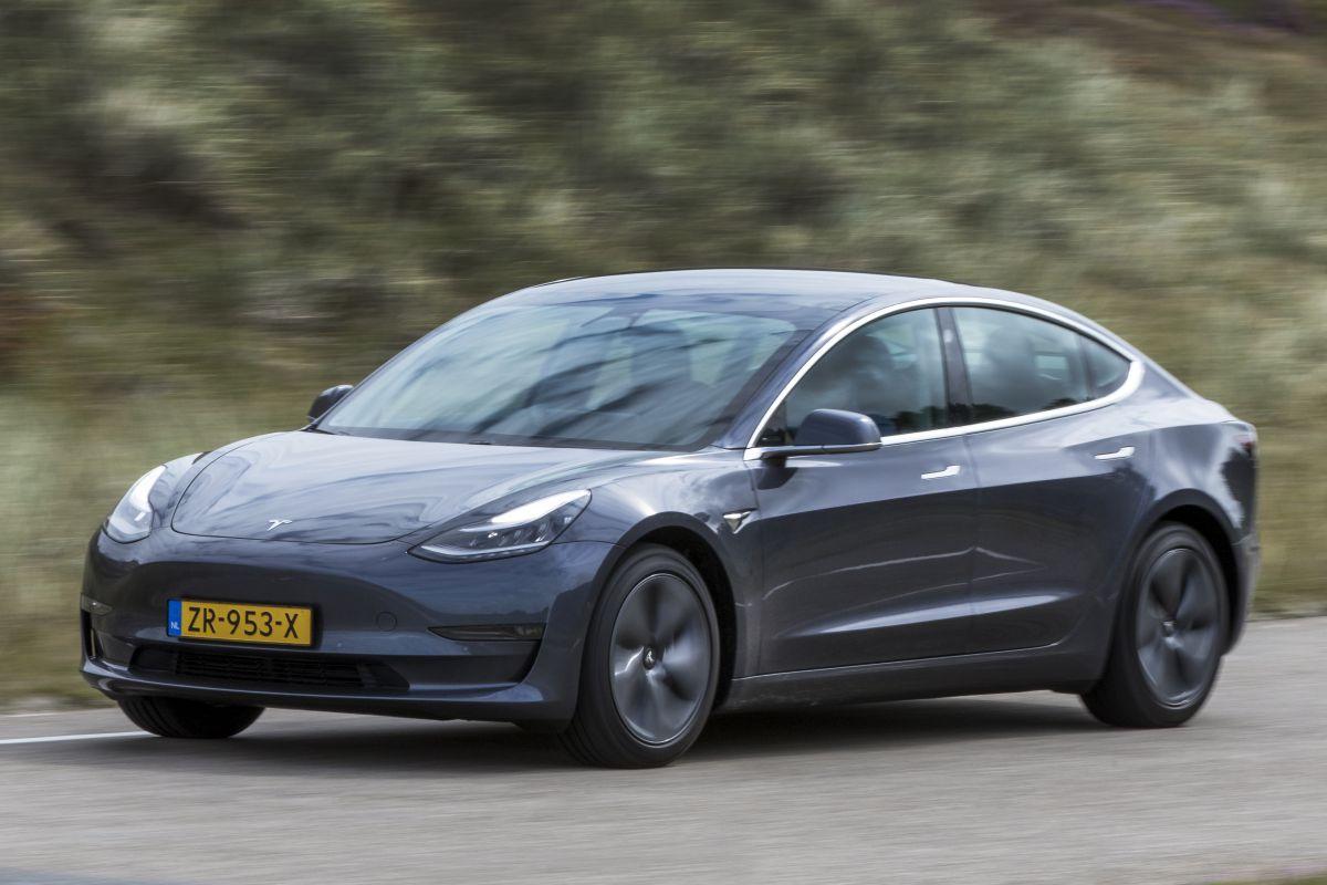 Tesla Model 3 Standard Range Plus Autotest - AutoWeek.nl