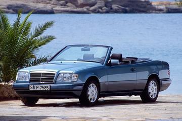Mercedes-Benz 300 CE-24 Cabriolet (1990)
