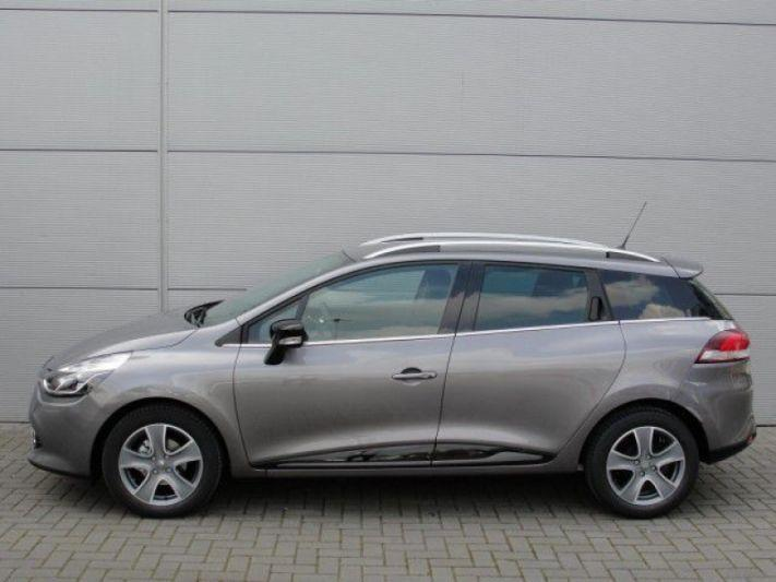 Renault Clio Estate TCe 90 Energy Night  Day (2016)