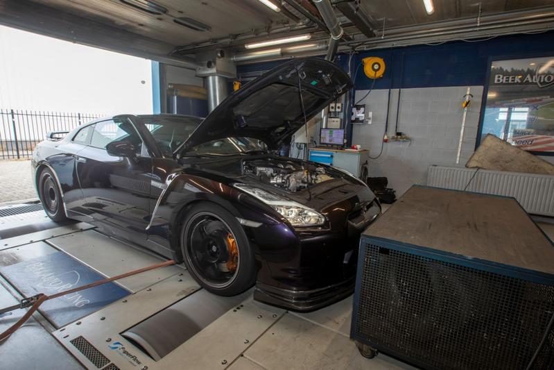 Nissan GT-R Spec V P700 - Op de Rollenbank
