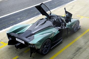 Aston Martin Valkyrie Spider: orkaankracht door je kruin