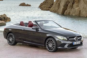 Mercedes-Benz scherpt C-klasse coupé en cabrio aan