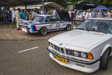 On tour: Wings and Wheels