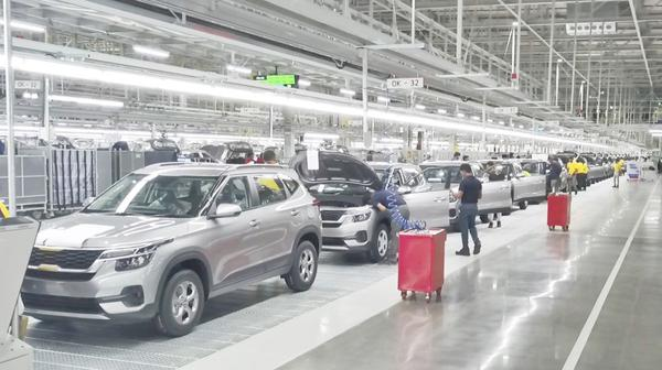 Kia opent nieuwe fabriek in India