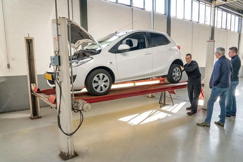 Mazda 2 BiFuel - 2012 - 303.652 km - Klokje Rond