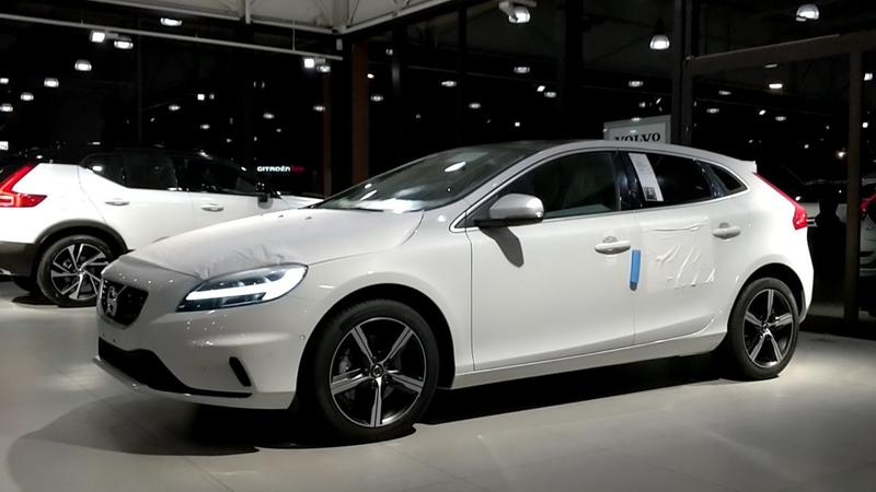 Volvo V40 T4 Business Sport (2018)