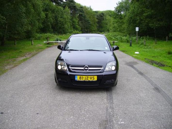 Opel Vectra GTS 2.2-16V Elegance (2002)