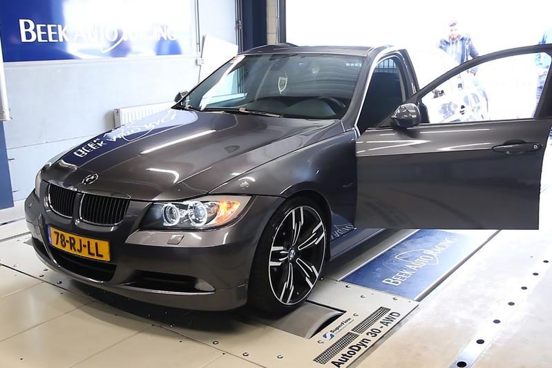 BMW 320d Op de Rollenbank