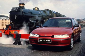 Facelift Friday: Honda Accord (5e generatie)
