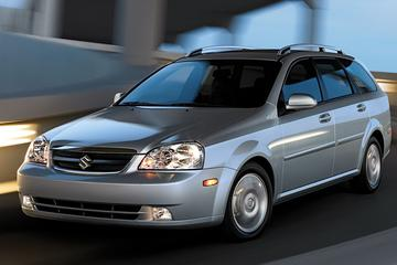 De Tweeling: Chevrolet Nubira/Suzuki Forenza