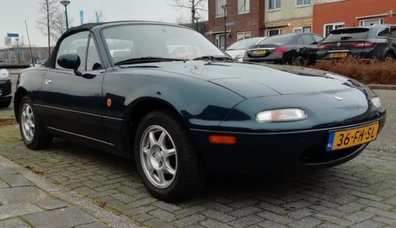 Mazda MX-5 1.6i (1996)