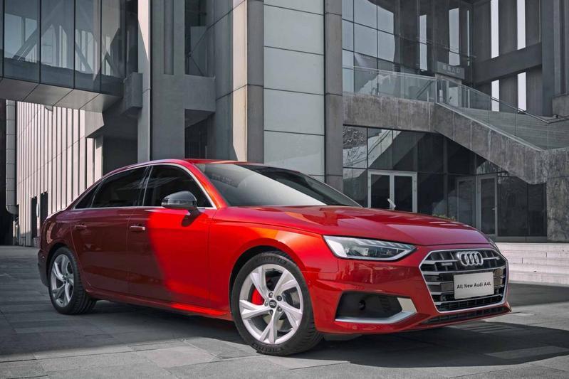 Audi A4 L facelift