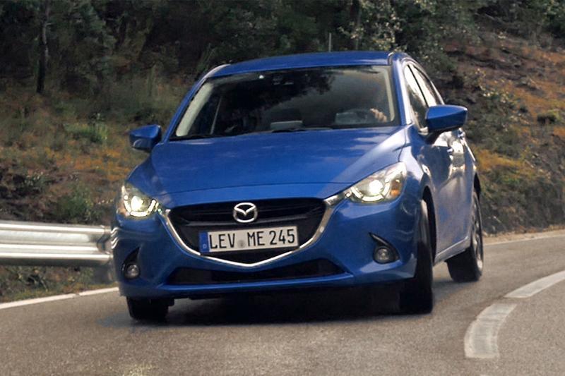 Rij-impressie - Mazda 2