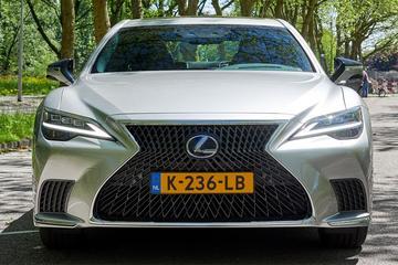 Lexus LS (2021) - Facelift Friday