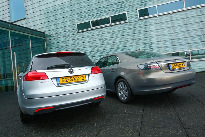 Opel Insignia Sports Tourer - Saab 9-5 Sport Sedan