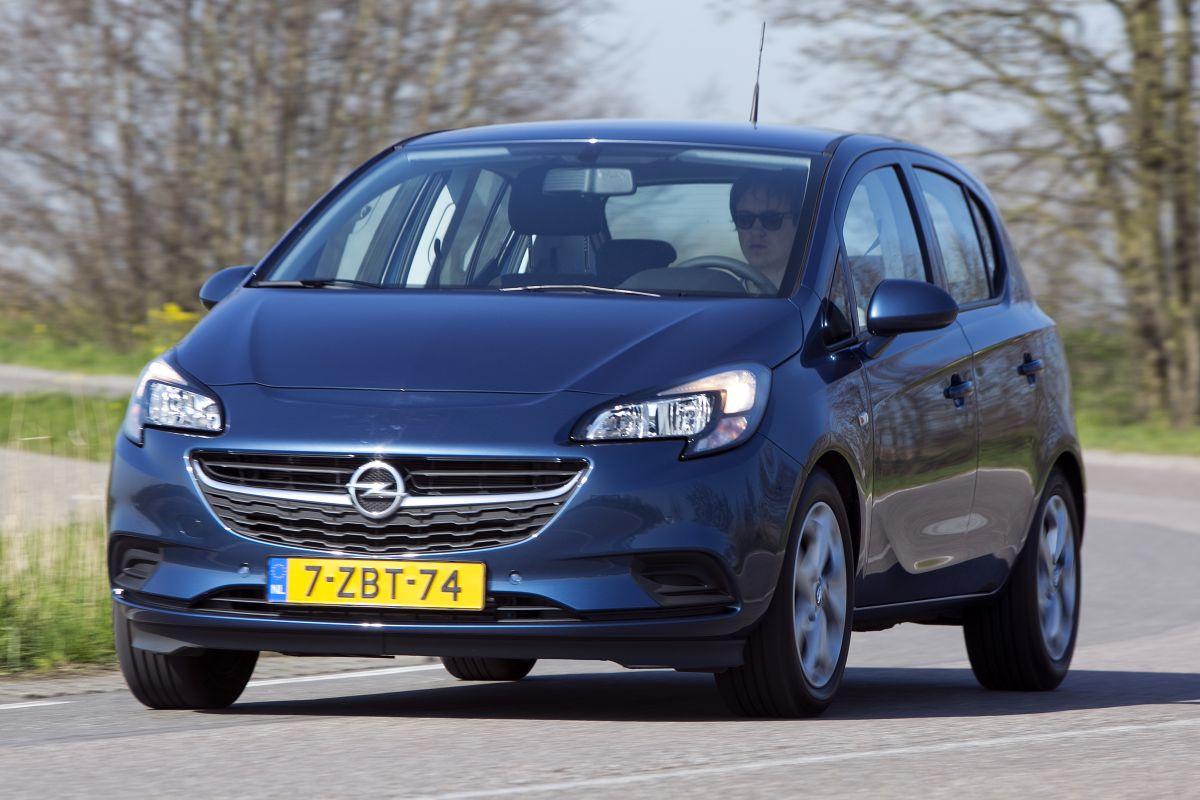 opel corsa 5 deurs 1 0t edition 2015 autotest. Black Bedroom Furniture Sets. Home Design Ideas