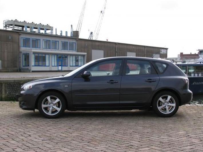 Mazda 3 Sport 1.6 Executive (2006)